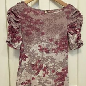 Anthropologie floral ruched-sleeve tee